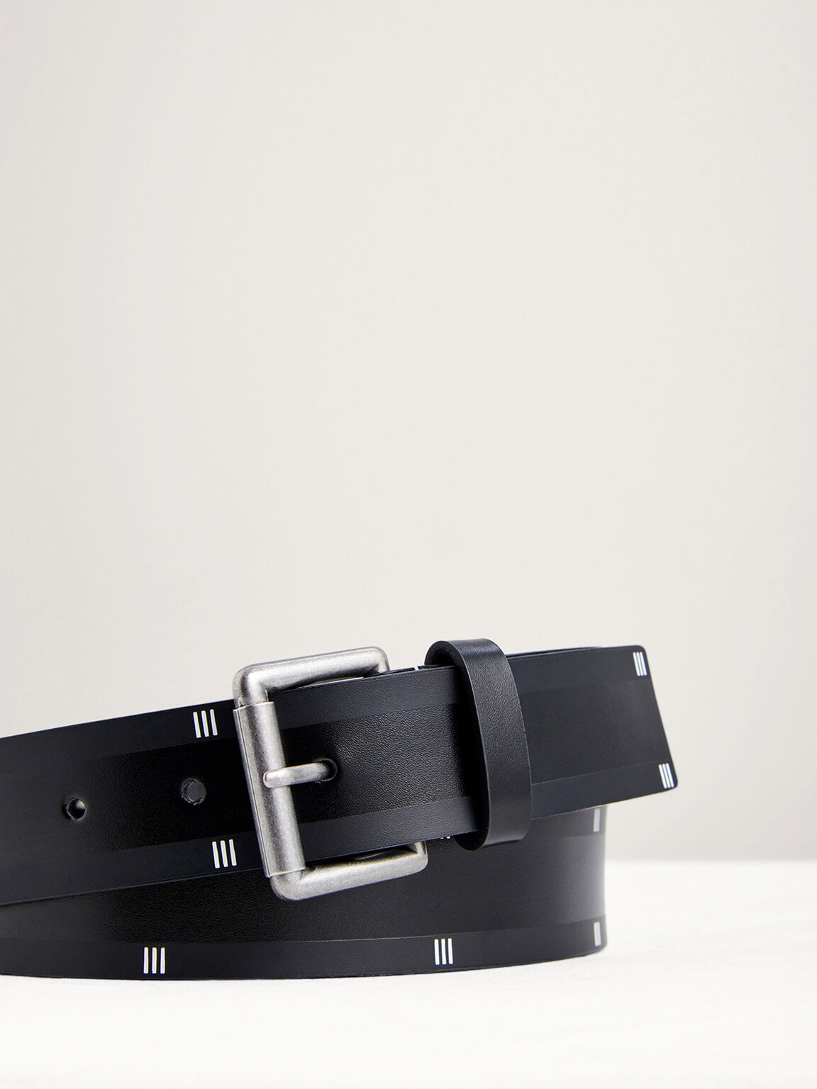Casual Leather Pin Belt, Black, hi-res