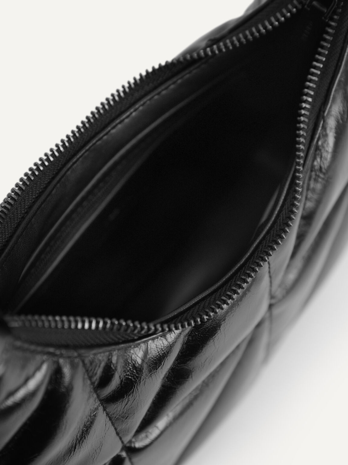 Crinkled Chain Shoulder Bag, Black, hi-res