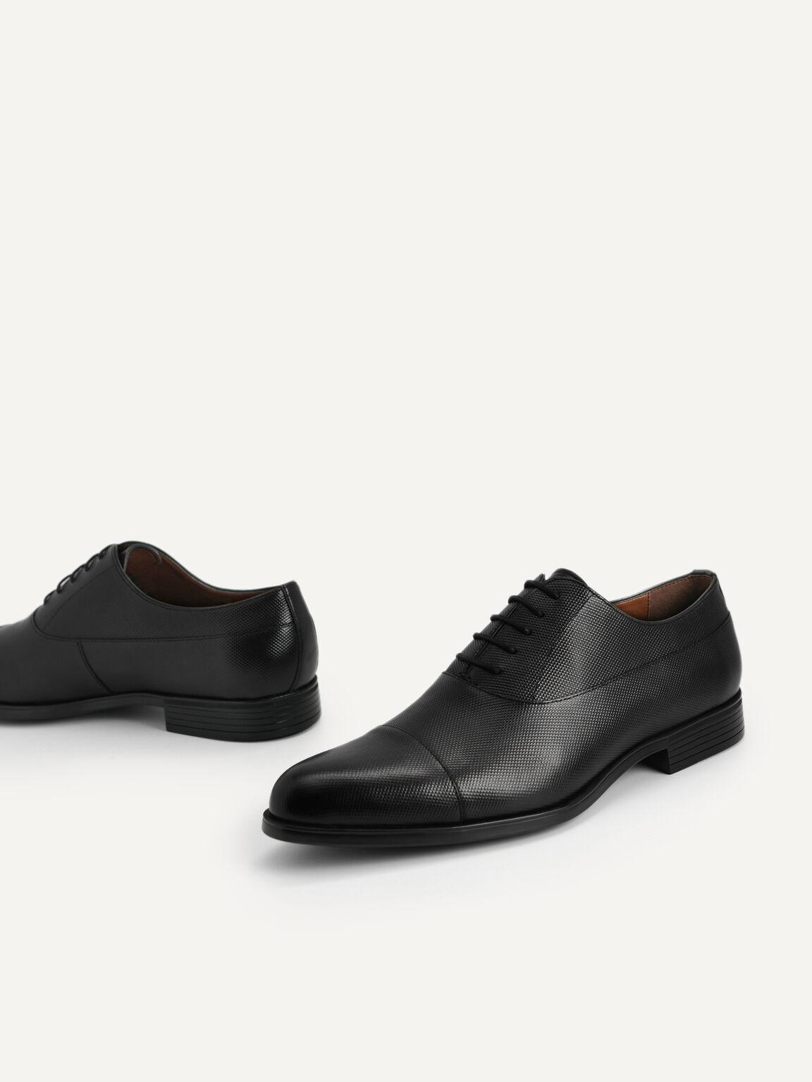 Textured Leather Cap Toe Derby Shoes, Black, hi-res