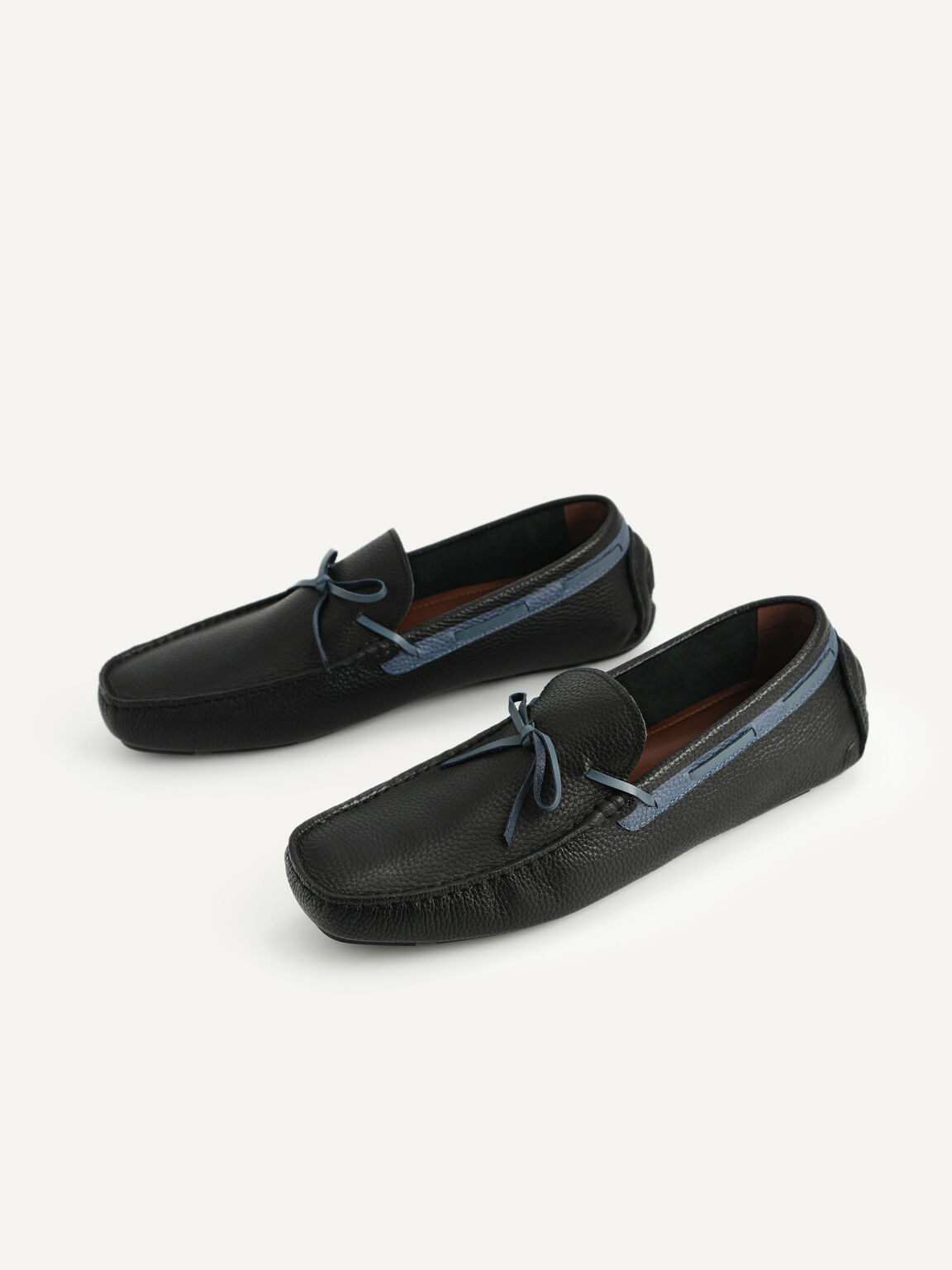 Textured Leather Moccasins with Bow, Black, hi-res