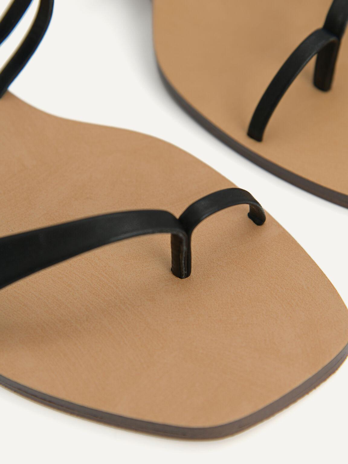 Strappy Toe Loop Sandals, Black, hi-res